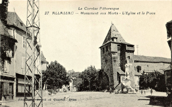 ALLASSAC Monumen aux Morts